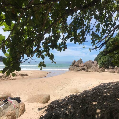 praia de antigos em paraty